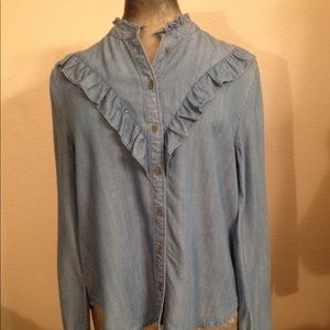 4ever 21 Chambray button up blouse